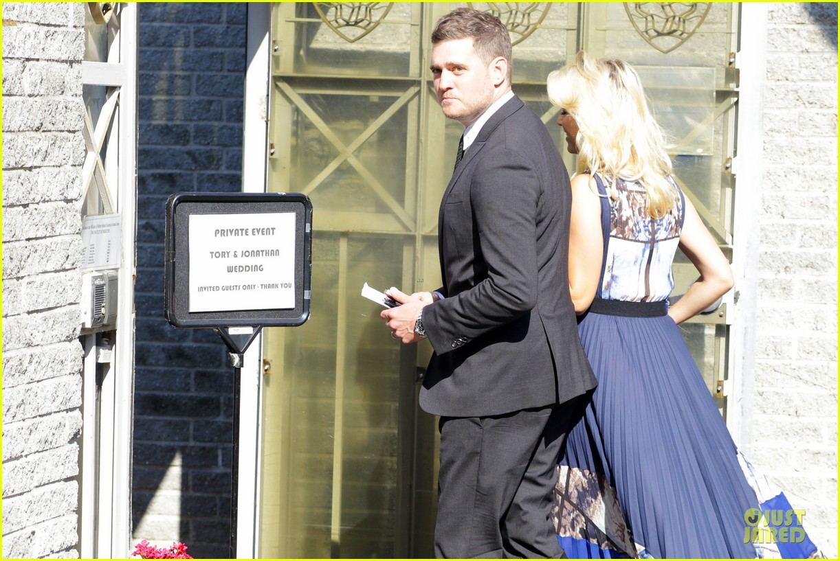michael buble lusiana lopilato vancouver wedding couple 042928957