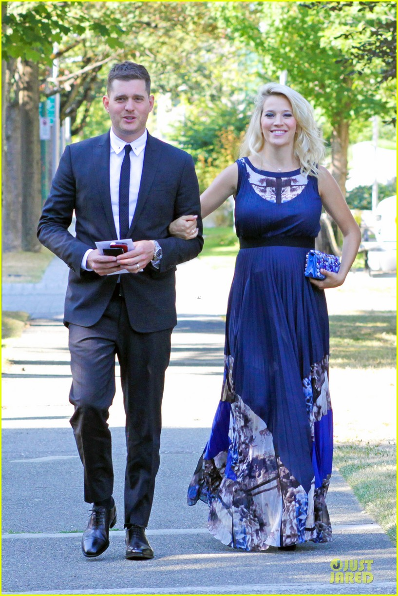 michael buble lusiana lopilato vancouver wedding couple 052928958