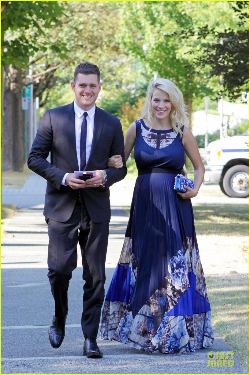 michael buble lusiana lopilato vancouver wedding couple 082928961