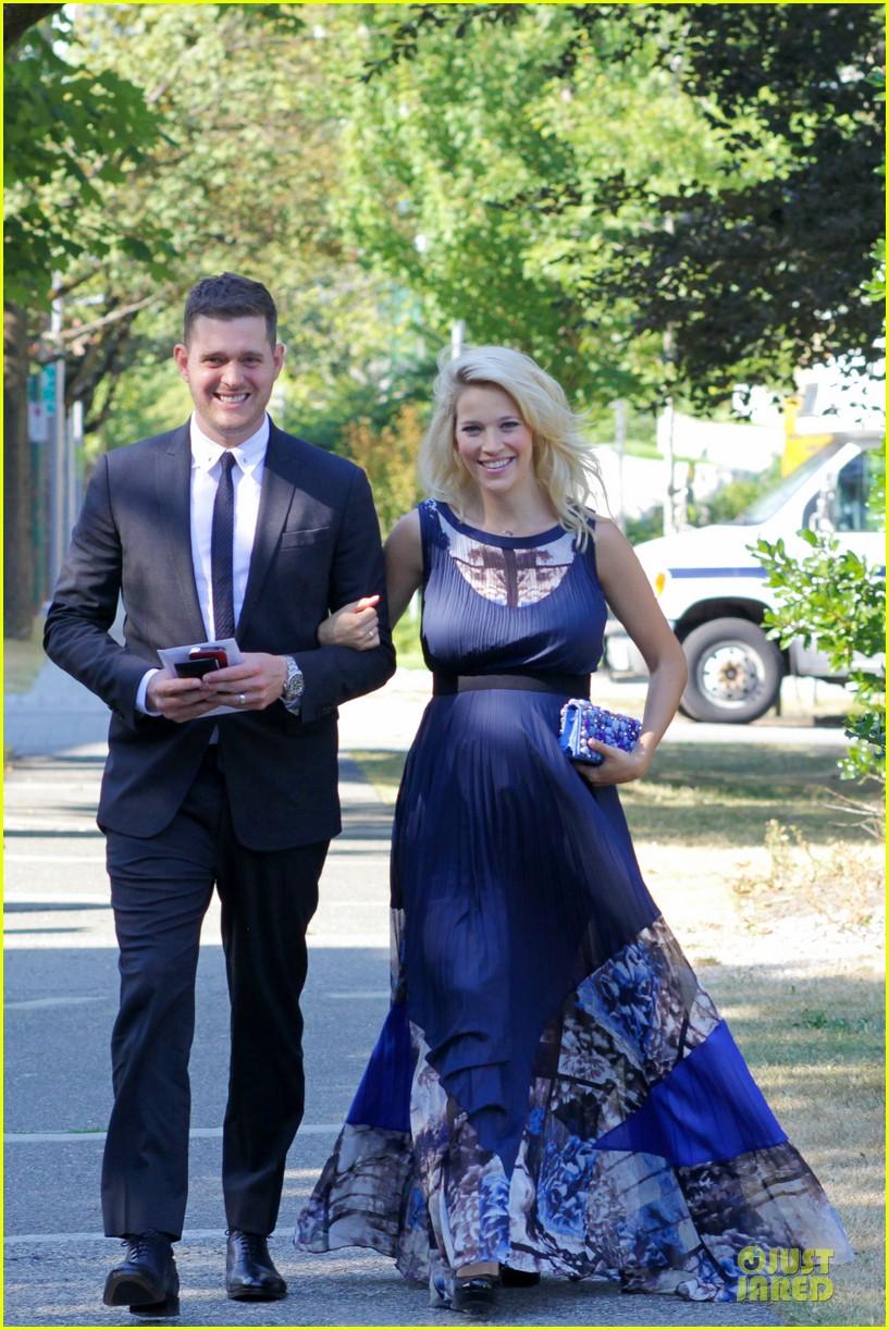 michael buble lusiana lopilato vancouver wedding couple 092928962