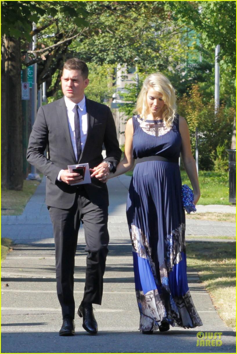 michael buble lusiana lopilato vancouver wedding couple 102928963