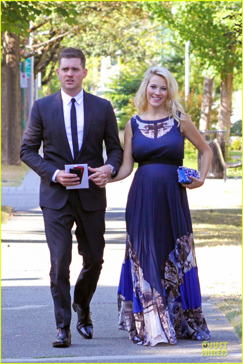 michael buble lusiana lopilato vancouver wedding couple 132928966