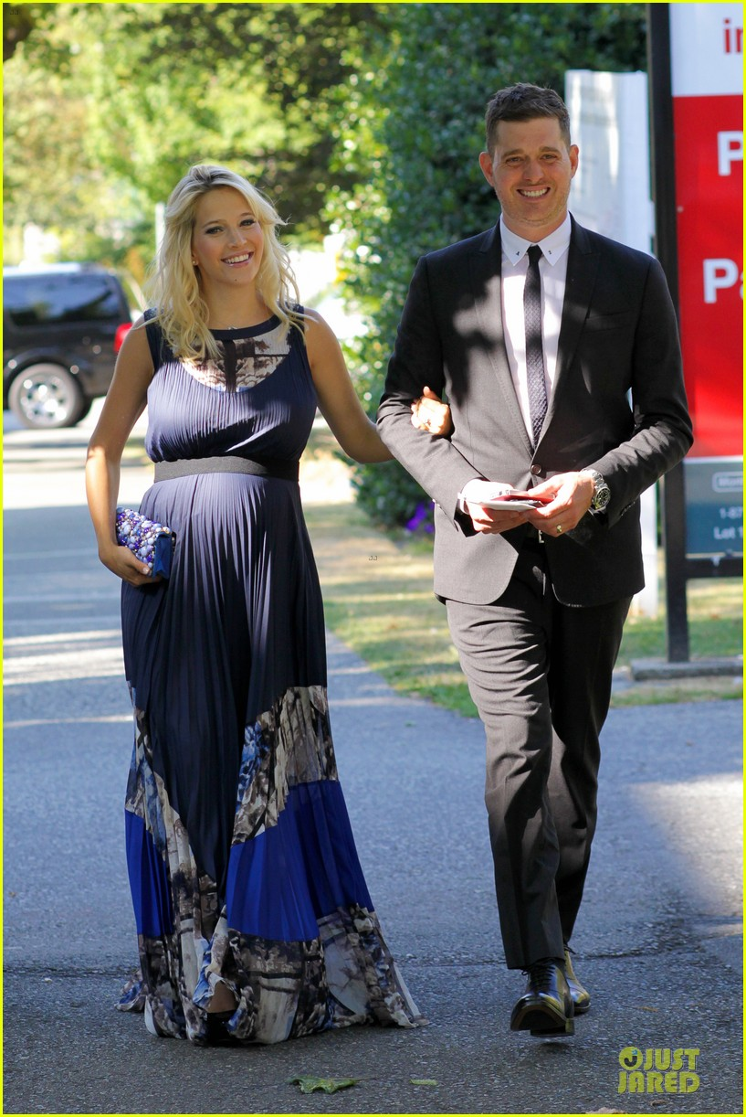michael buble lusiana lopilato vancouver wedding couple 182928971