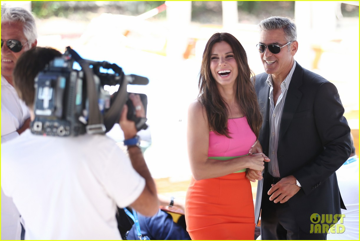 sandra bullock george clooney gravity venice photo call 082939313