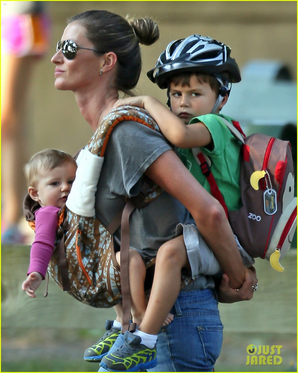 gisele bundchen tom brady visit boston park with the kids 022941115