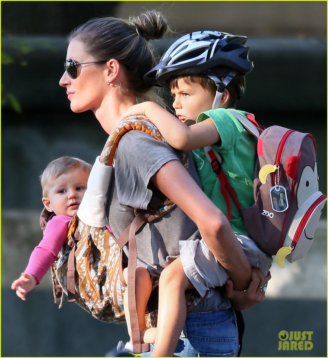 gisele bundchen tom brady visit boston park with the kids 042941117