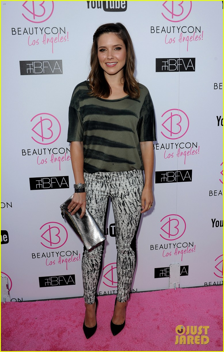 sophia bush beautycon kick off party 01