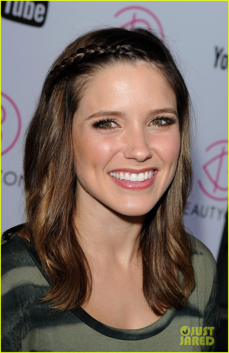 sophia bush beautycon kick off party 02