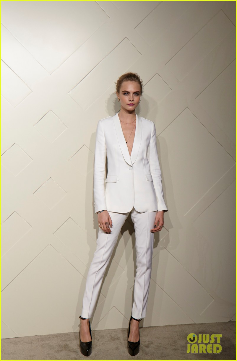 cara delevingne burberry art of the trench party 042940763