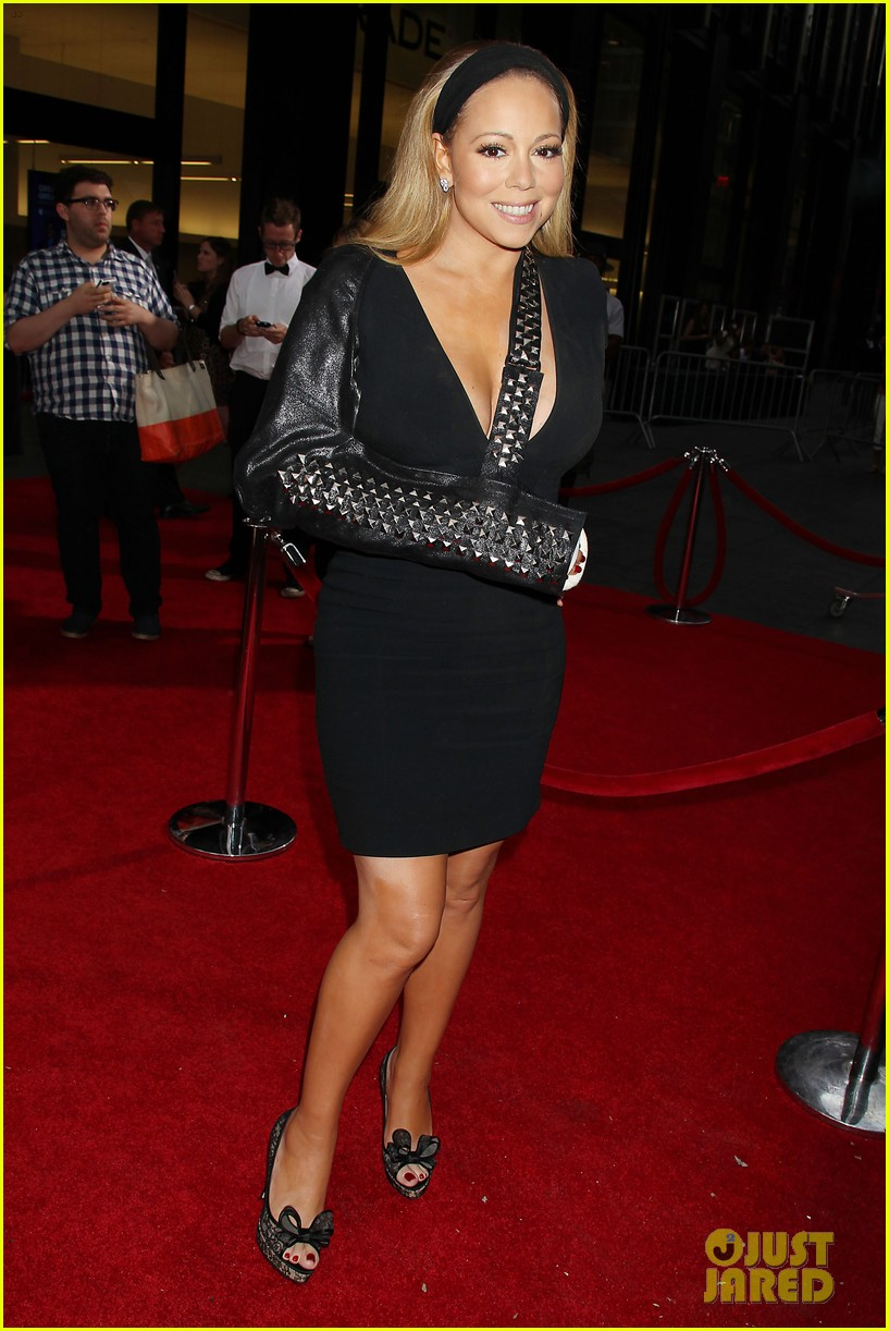 mariah carey wears arm sling to butler new york premiere 012924337