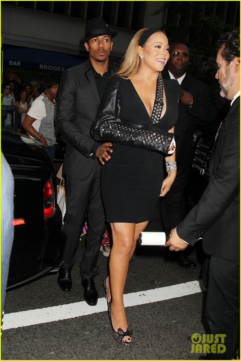 mariah carey wears arm sling to butler new york premiere 032924339