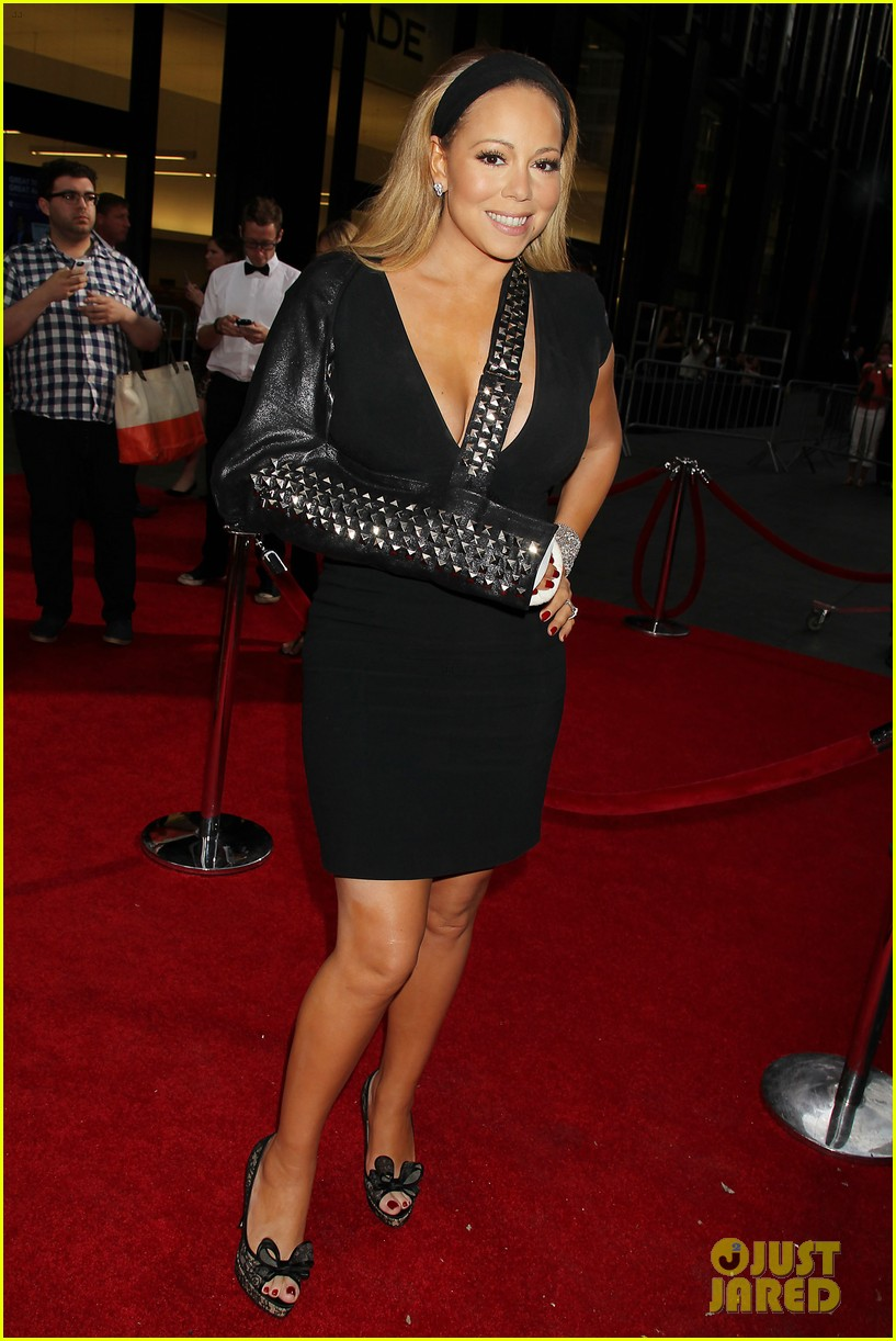 mariah carey wears arm sling to butler new york premiere 062924342