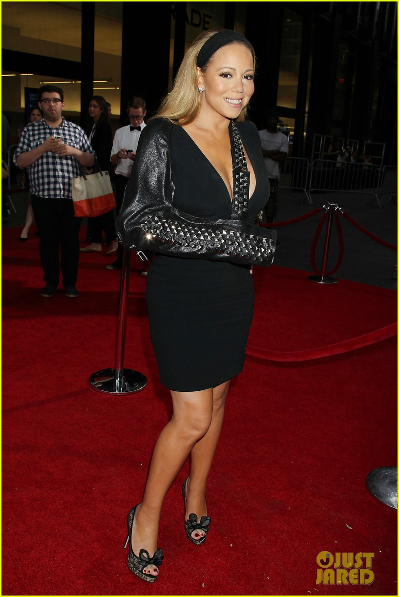 mariah carey wears arm sling to butler new york premiere 072924343