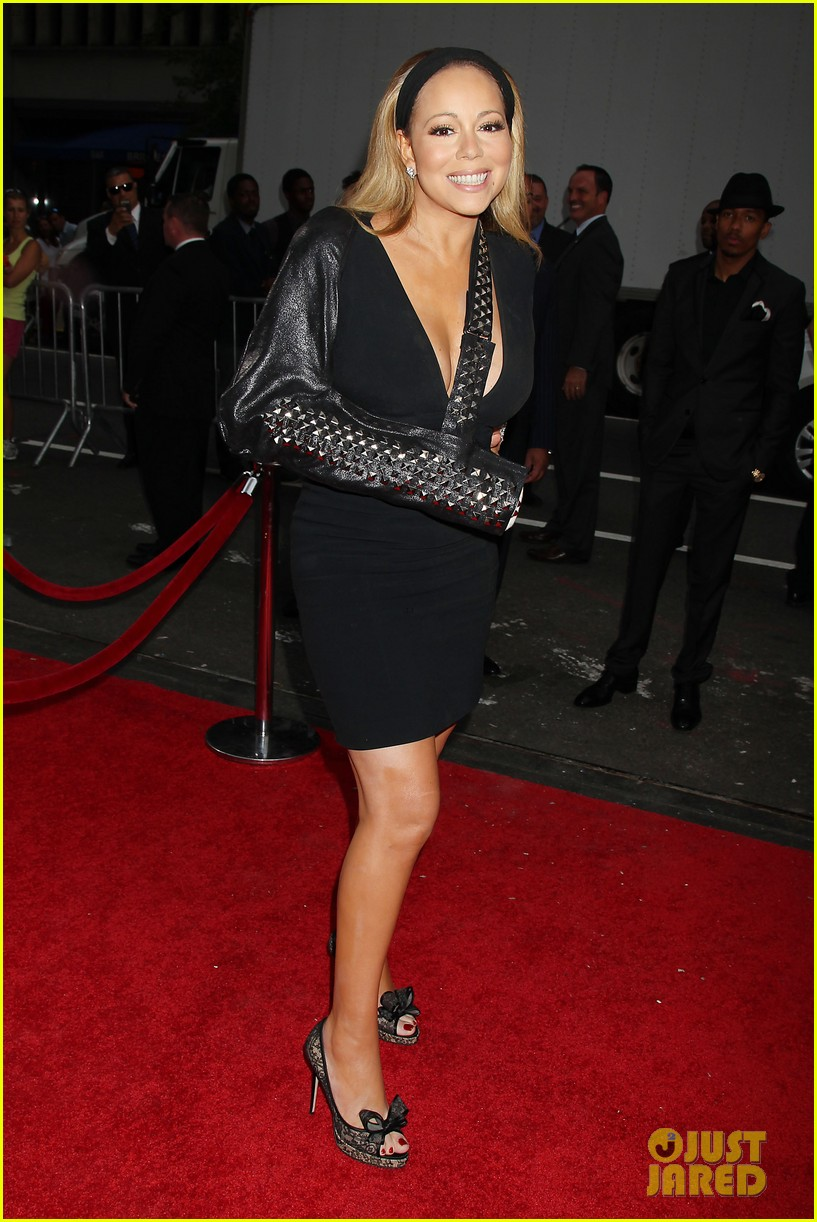 mariah carey wears arm sling to butler new york premiere 092924345