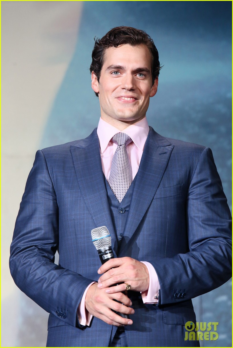 henry cavill man of steel japan premiere 012934641