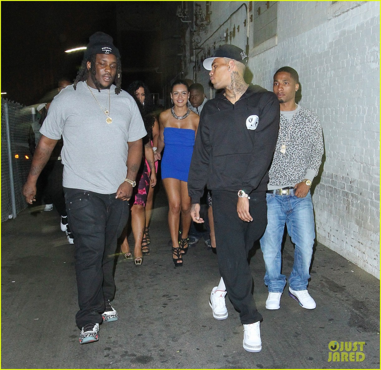 chris brown night out following love more video shoot 11