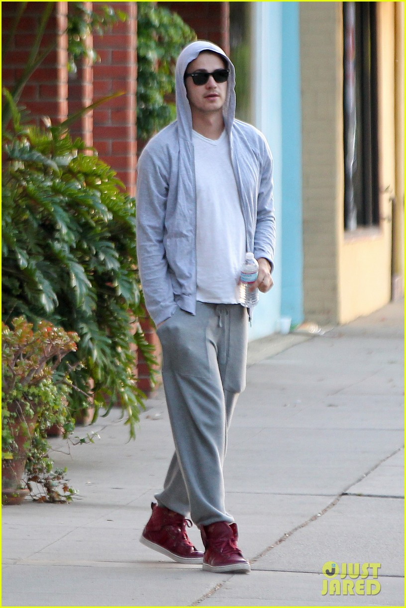 hayden christensen looks relaxed after massage parlor visit 012926397