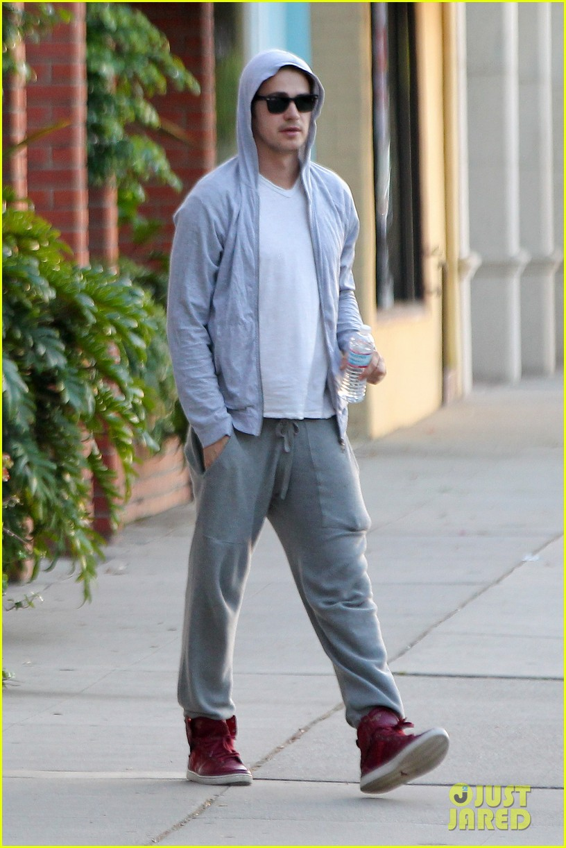 hayden christensen looks relaxed after massage parlor visit 052926401