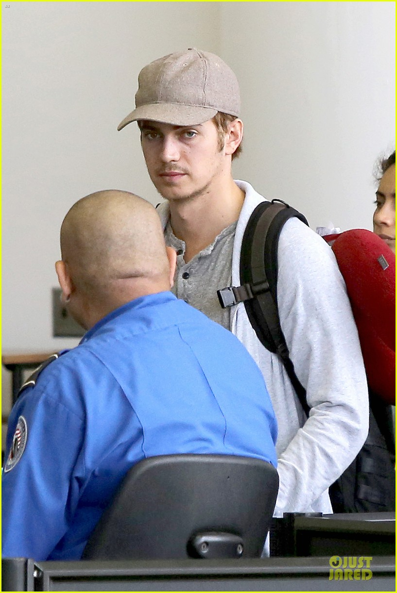 hayden christensen fly yellow stud at lax airport 042930259