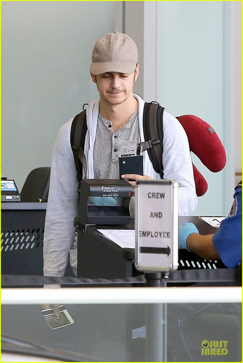 hayden christensen fly yellow stud at lax airport 062930261