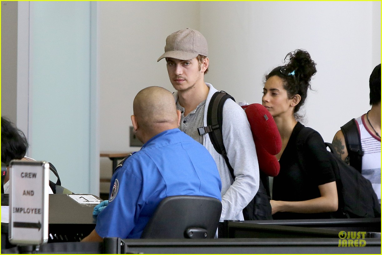 hayden christensen fly yellow stud at lax airport 102930265