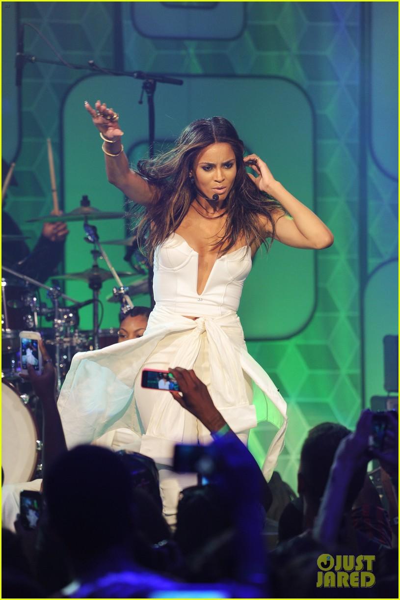 ciara becky g easy breezy brooklyn concert 152936031