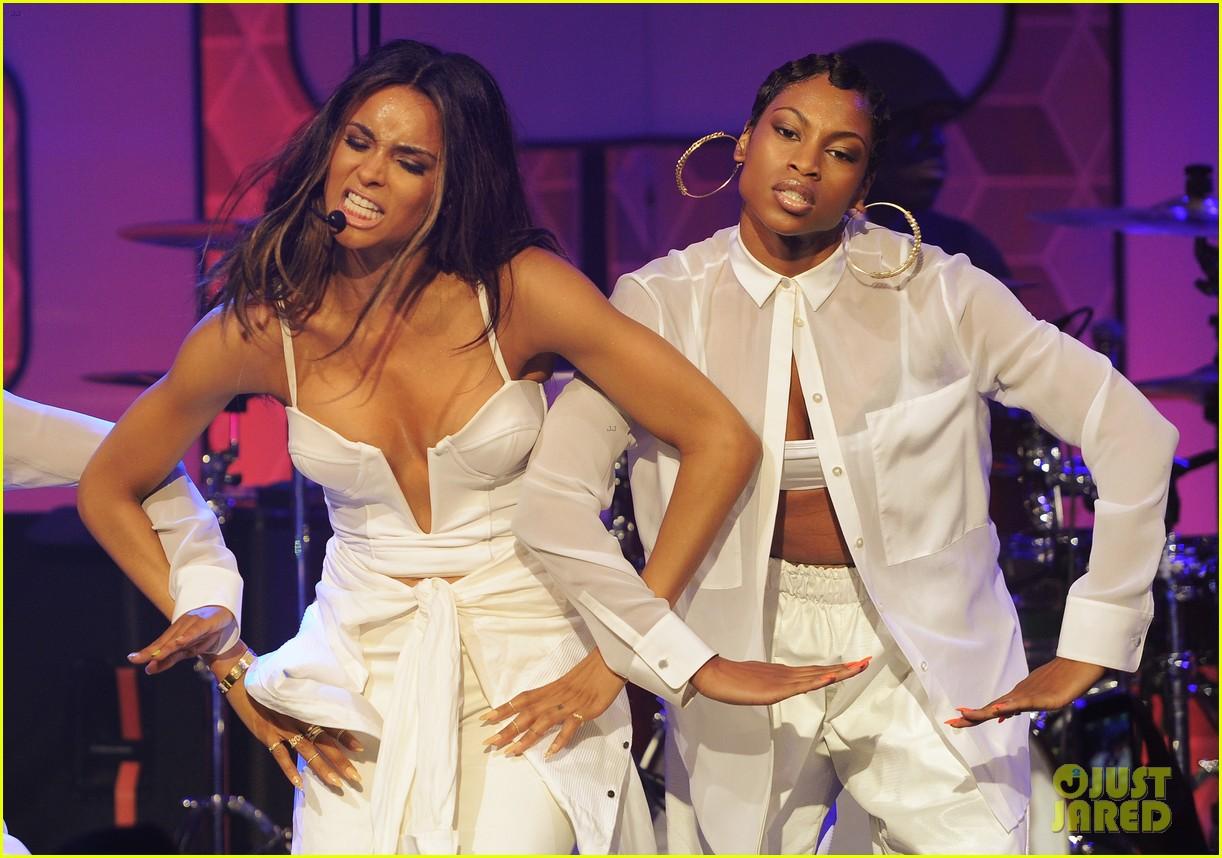 ciara becky g easy breezy brooklyn concert 16