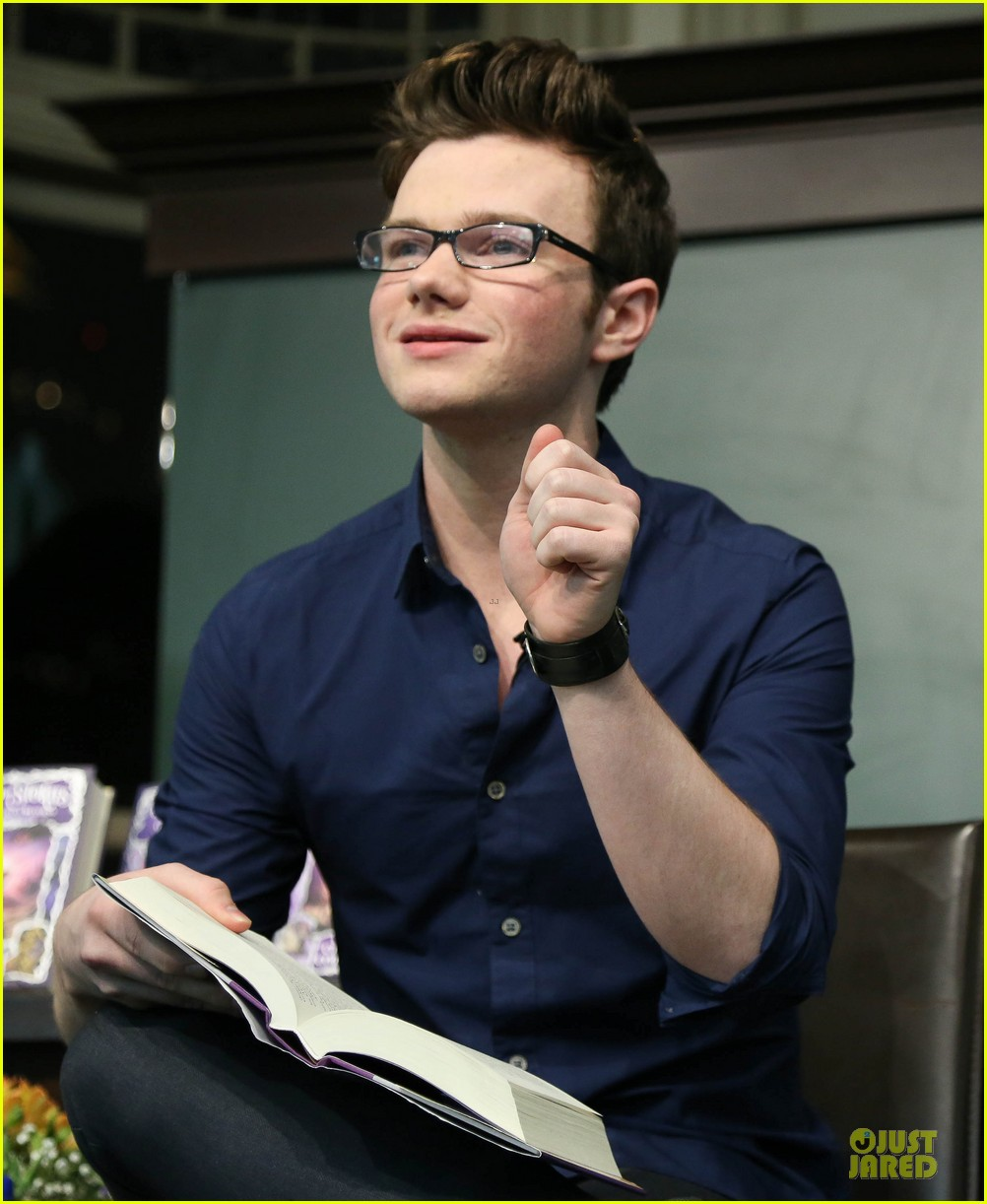 chris colfer land of stories the enchantress returns book event 022924674