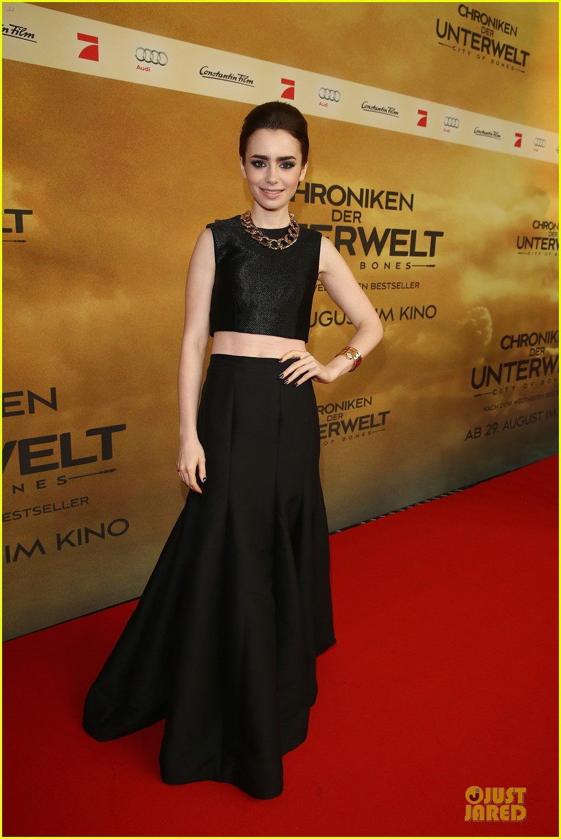 2ad40bd3cf9df3 Lily Collins & Jamie Campbell Bower: 'City of Bones' Berlin Premiere ...