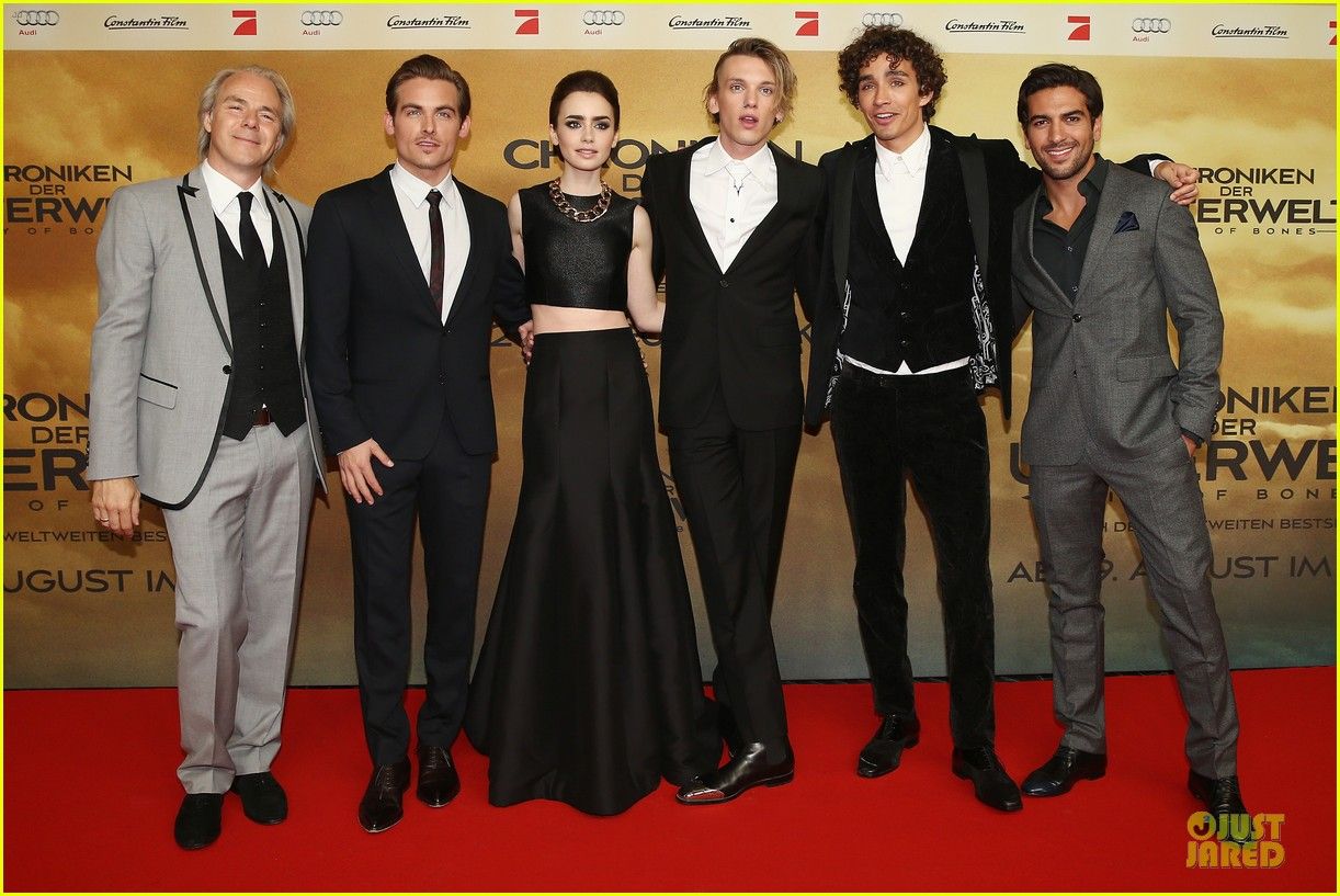 lily collins jamie campbell bower city of bones berlin premiere 032934353