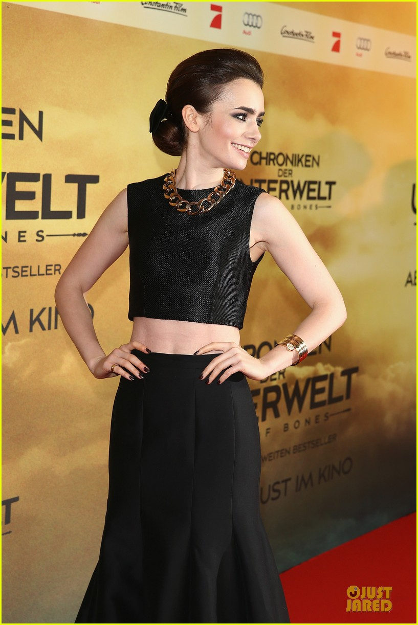 lily collins jamie campbell bower city of bones berlin premiere 11
