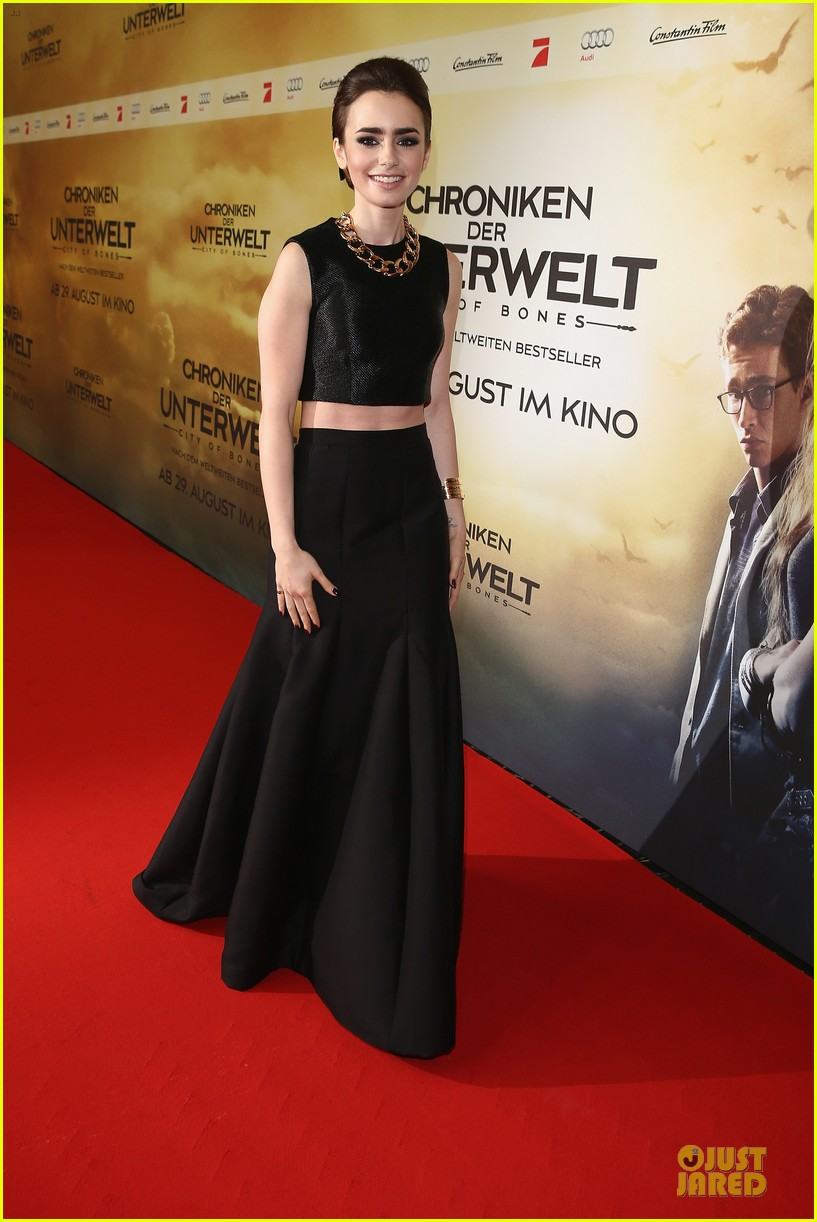 lily collins jamie campbell bower city of bones berlin premiere 122934362