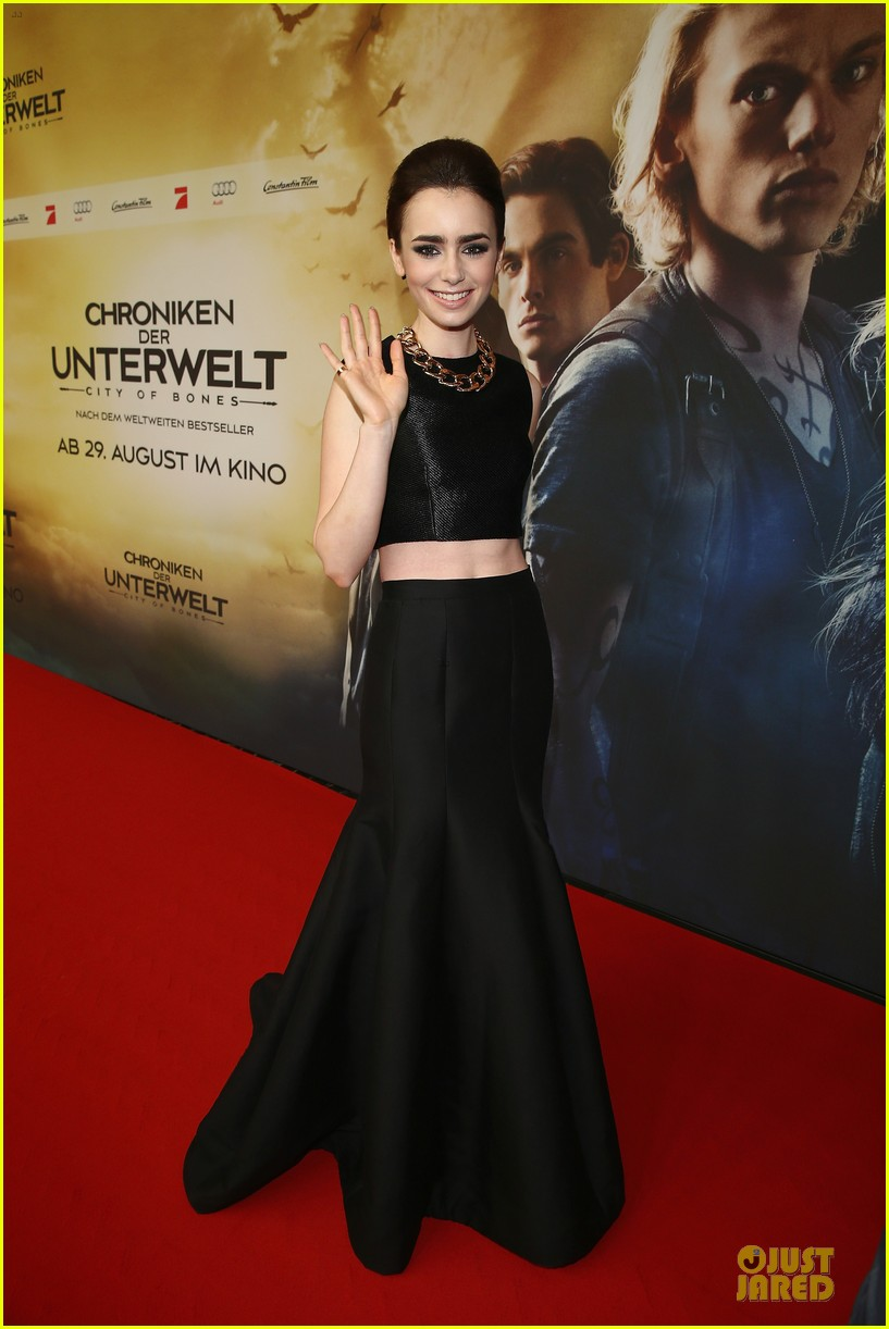lily collins jamie campbell bower city of bones berlin premiere 132934363