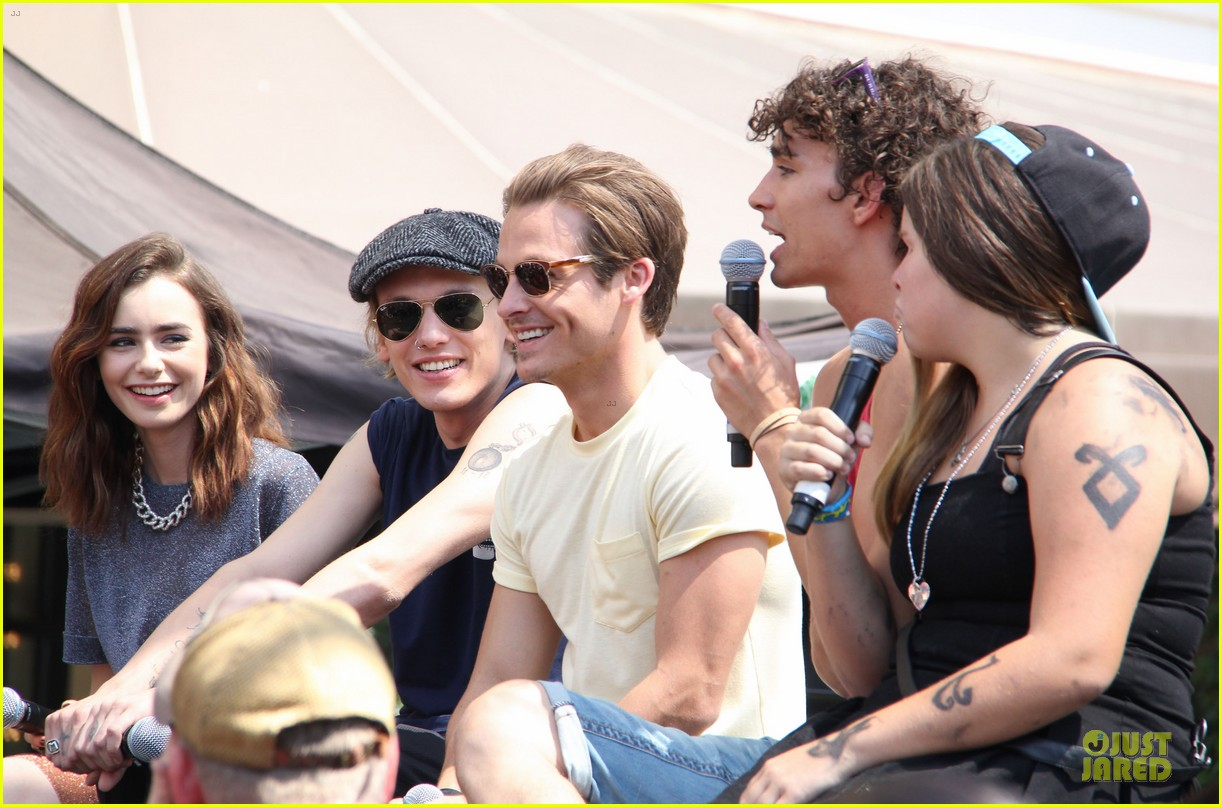 lily collins jamie campbell bower bower are very close despite split 132929799