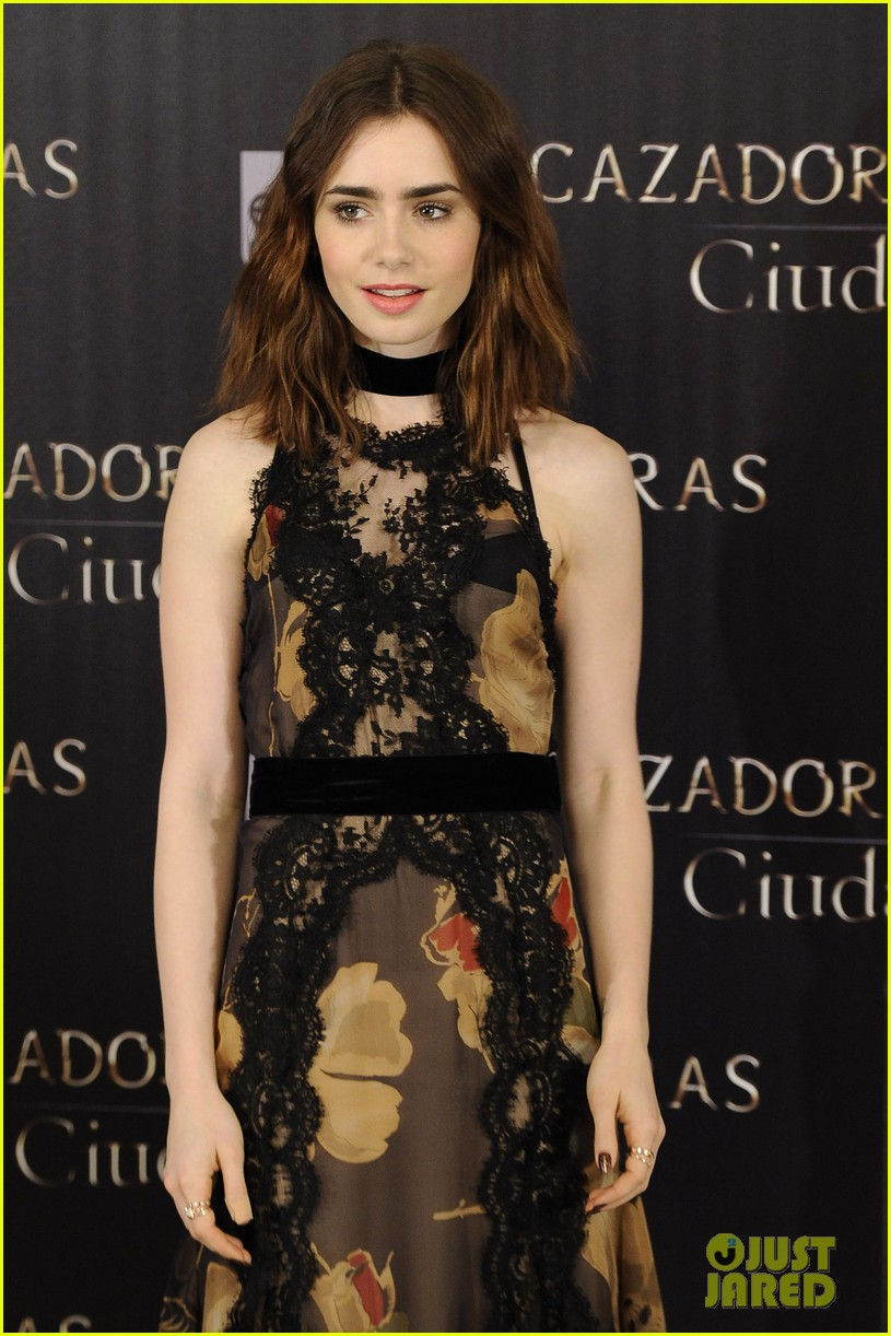 lily collins jamie campbell bower mortal instruments madrid photo call 262935494