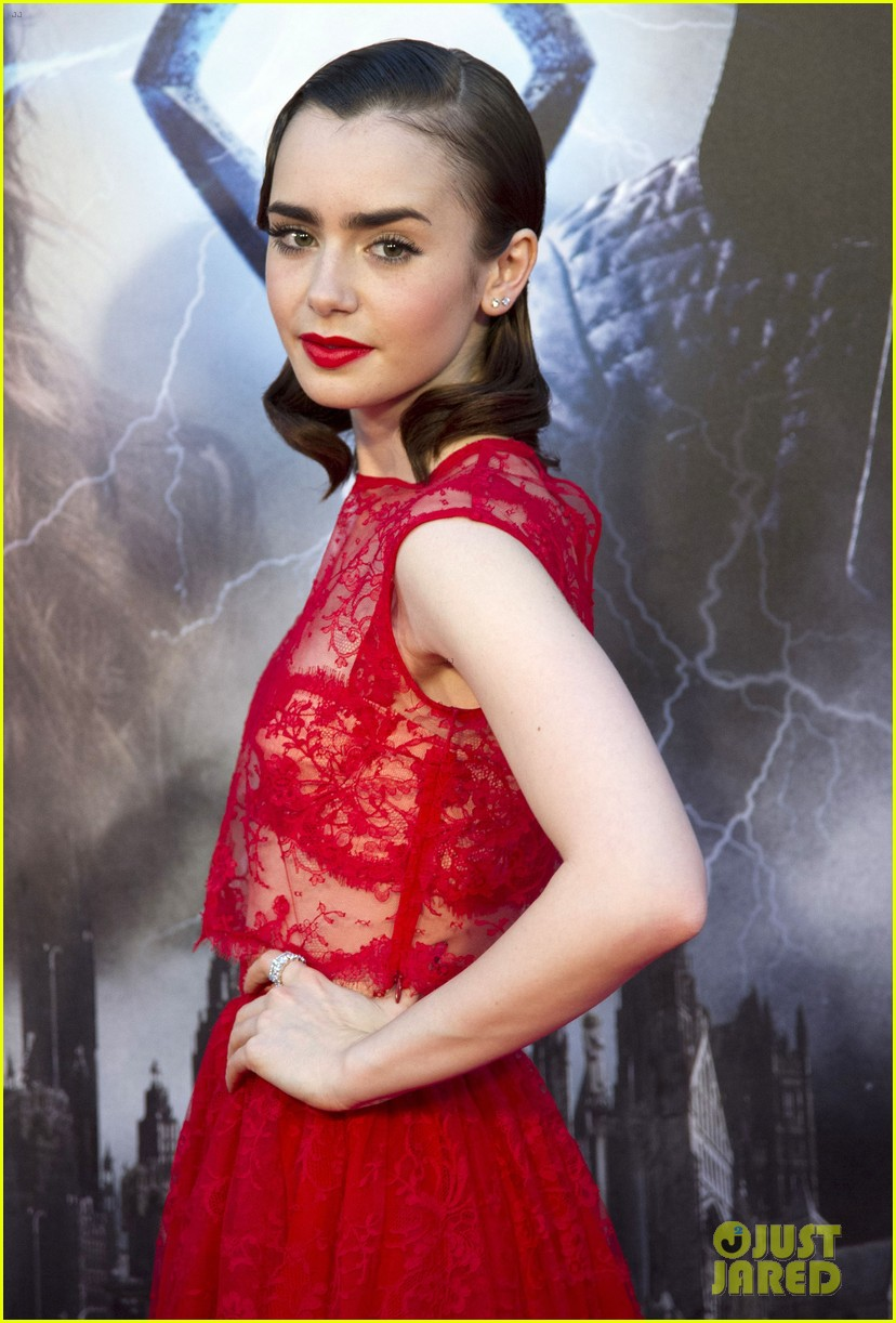lily collins jamie campbell bower mortal instruments madrid premiere 042935593