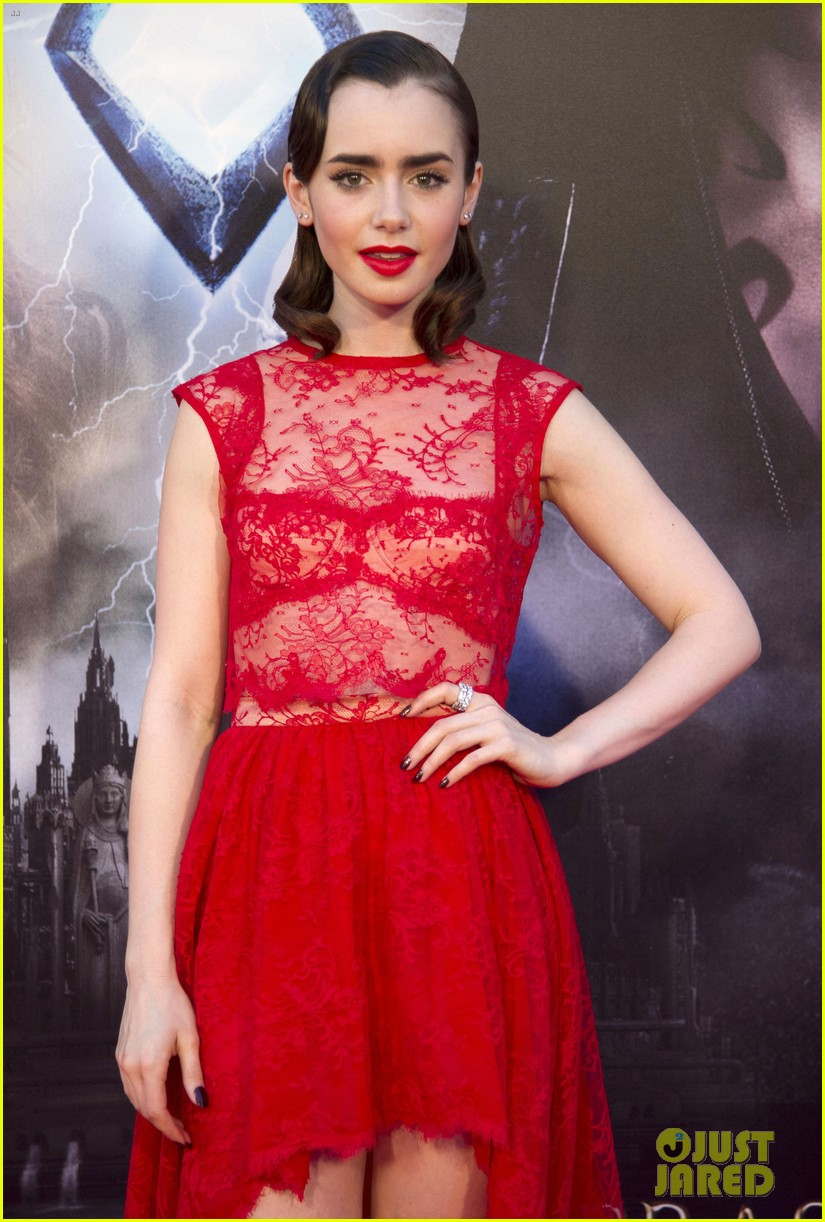 lily collins jamie campbell bower mortal instruments madrid premiere 112935600
