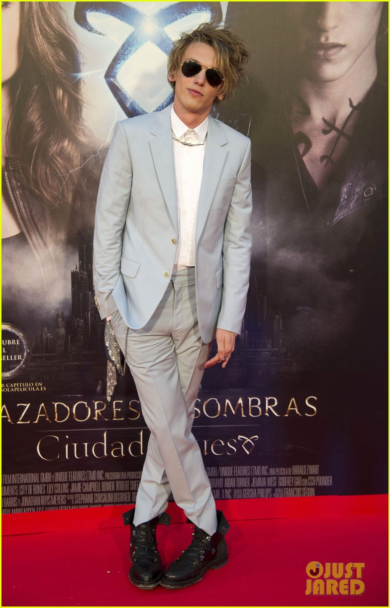 lily collins jamie campbell bower mortal instruments madrid premiere 192935608
