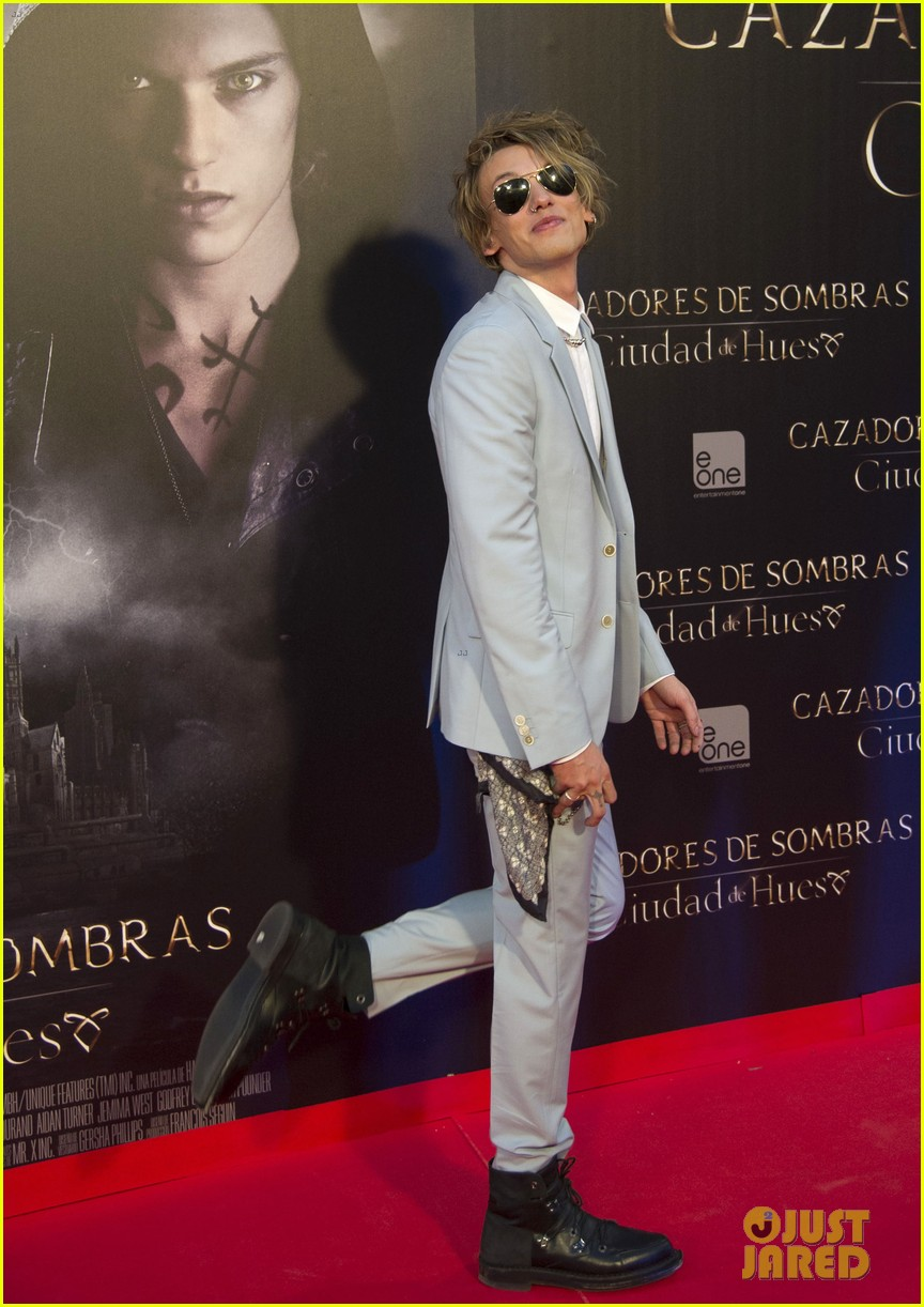lily collins jamie campbell bower mortal instruments madrid premiere 222935611