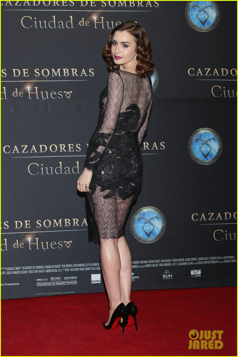 lily collins jamie campbell bower mortal instruments mexico city premiere 012939276