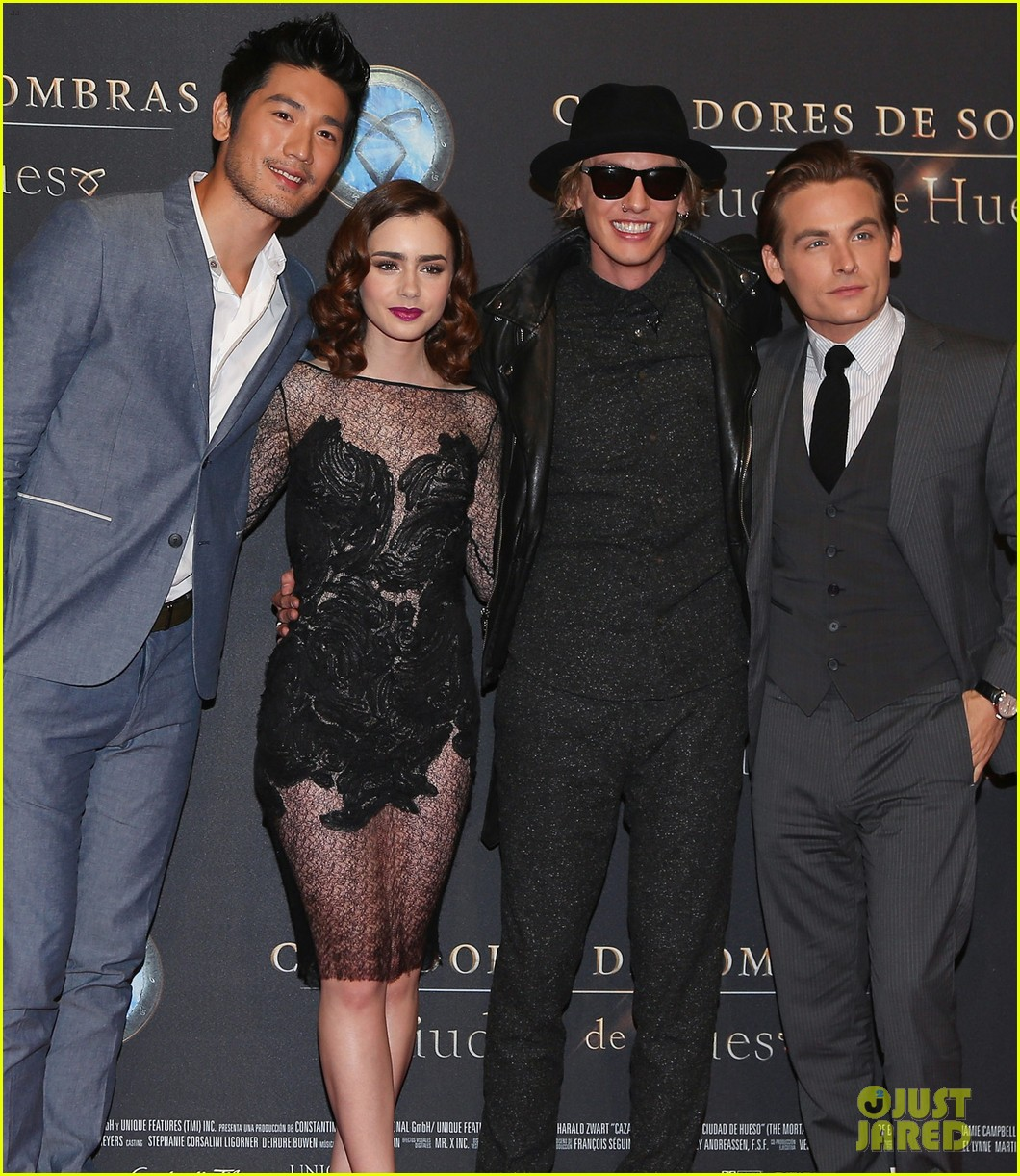 lily collins jamie campbell bower mortal instruments mexico city premiere 052939280
