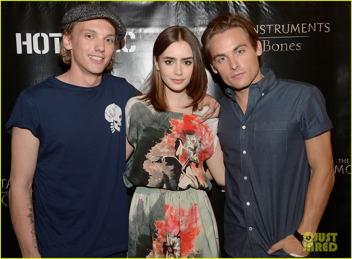 lily collins jamie campbell bower mortal instruments in miami 092921628