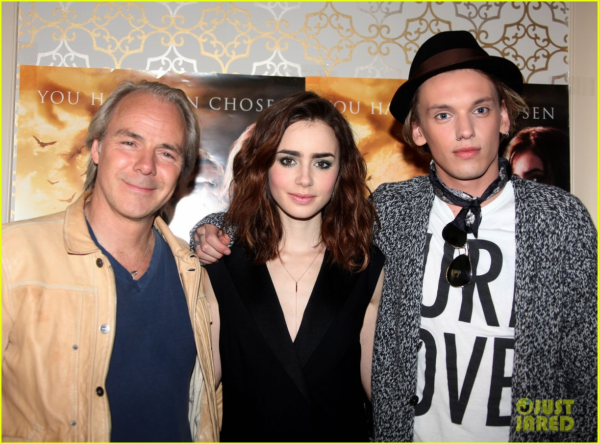 lily collins mortal instruments norway photo call 072936193