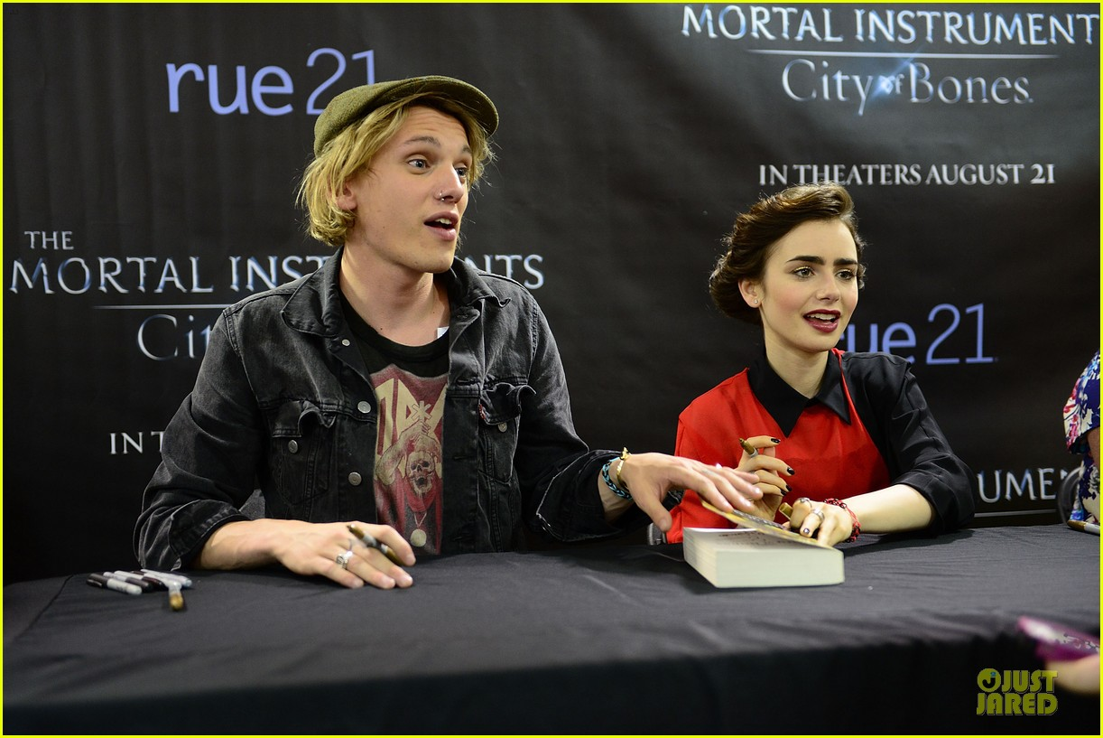lily collins jamie campbell bower city of bones philly signing 232923011