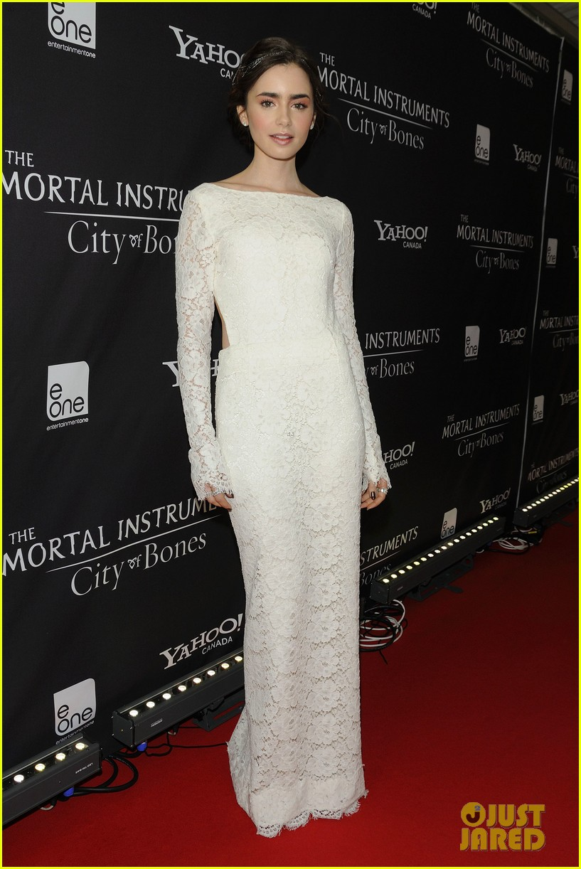 lily collins jamie campbell bower mortal instruments toronto premiere 012931092