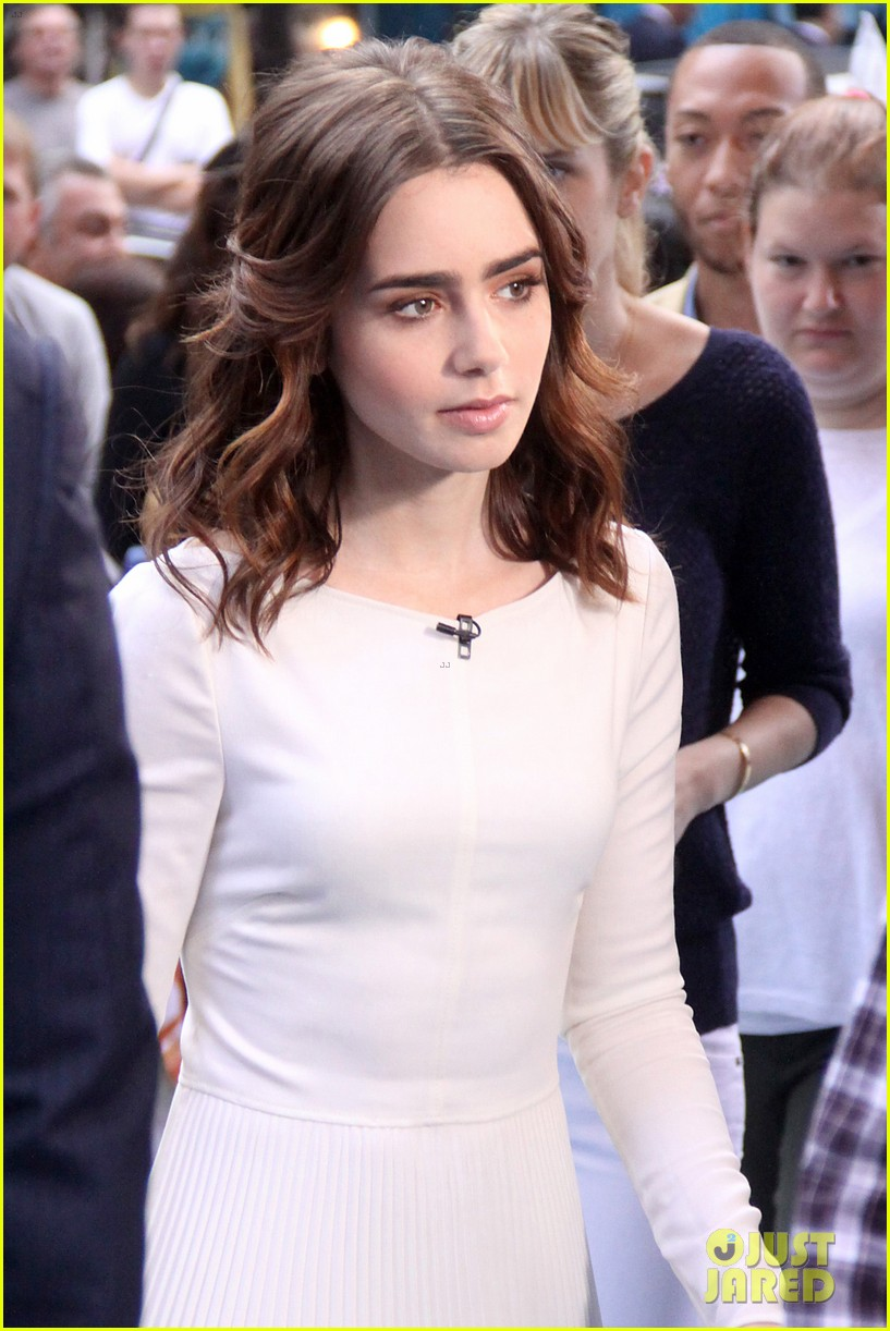 lily collins win vip passes for mortal instruments la event 112925540