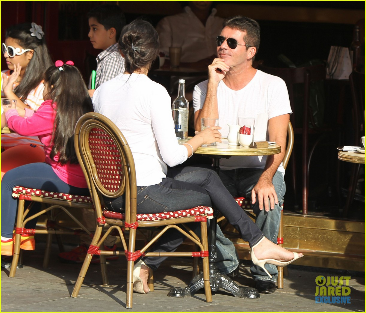 simon cowell kisses pregnant lauren silverman after dinner 142939690