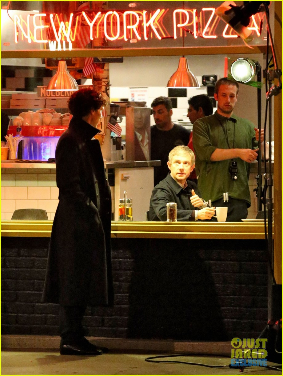 benedict cumberbatch films sherlock at new york pizza joint 132939520