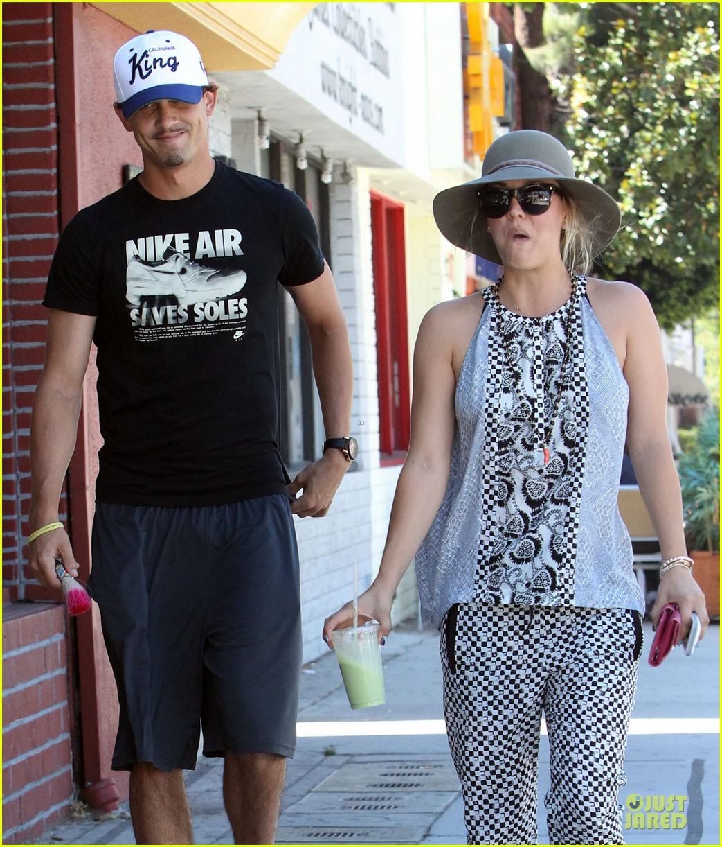 kaley cuoco ryan sweeting lunch after michael jackson marthon 042924256