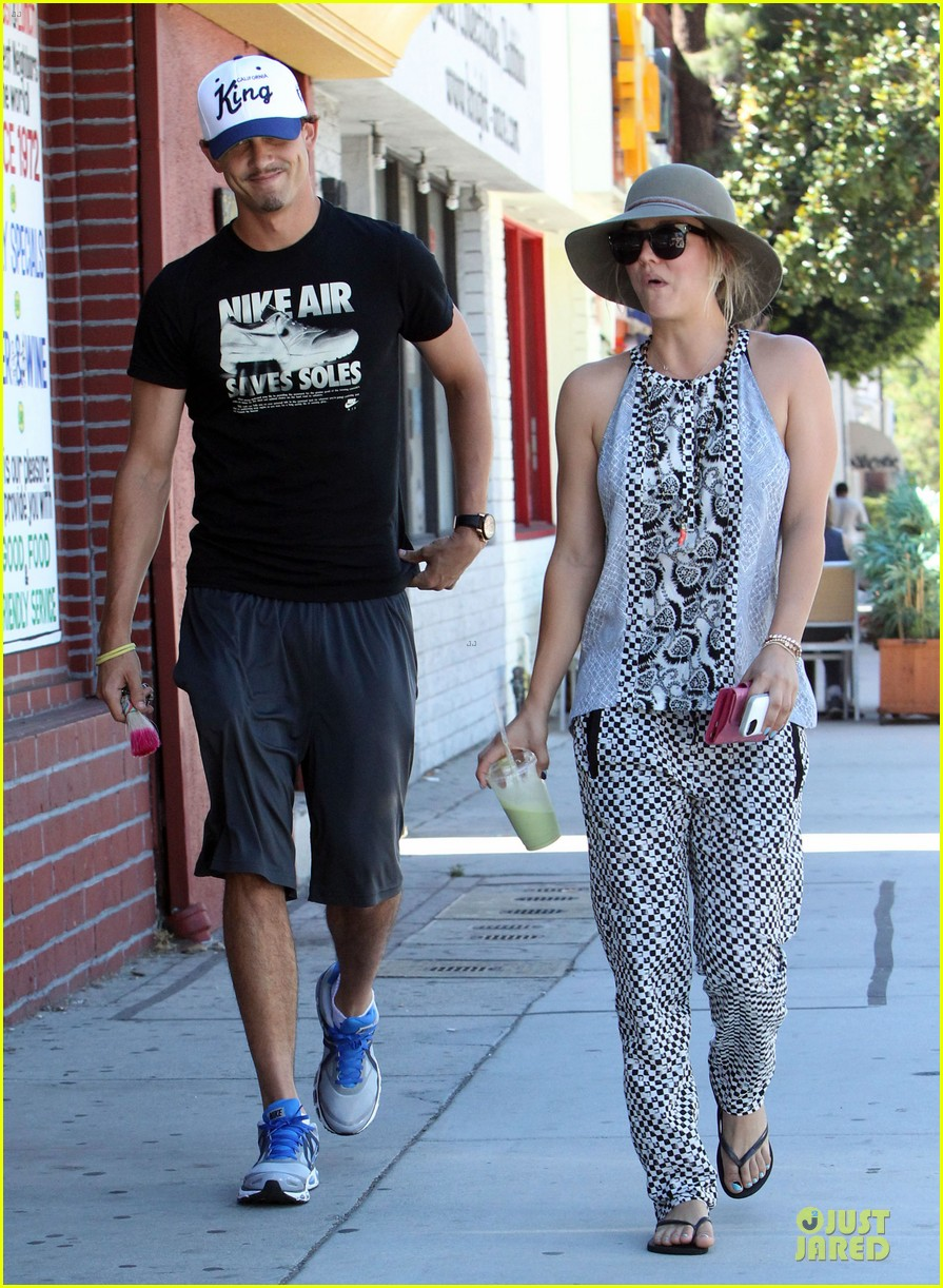 kaley cuoco ryan sweeting lunch after michael jackson marthon 072924259
